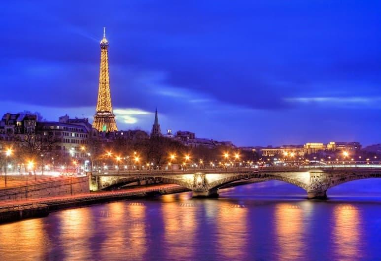 Hôtel de La Paix Tour Eiffel, Paryż, Widok z hotelu