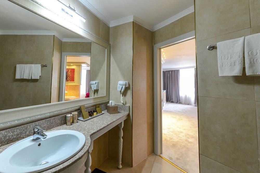 Апартаменти категорії «Джуніор», 1 двоспальне ліжко - Ванна кімната