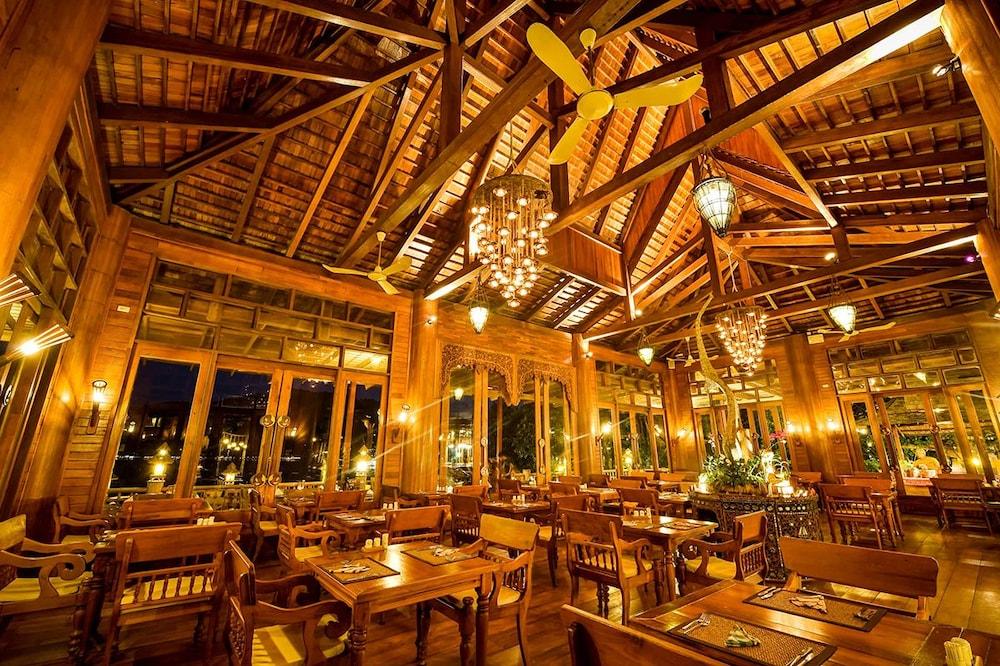 Santhiya Koh Phangan Resort & Spa, Koh Phangan, Dining