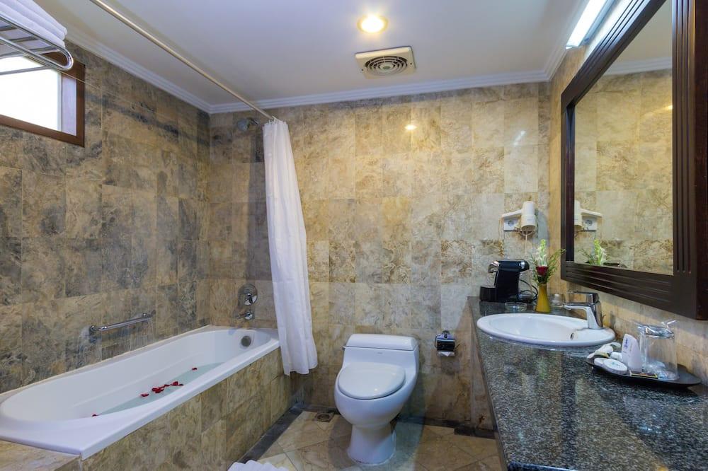 HOT DEAL Superior Double or Twin Room - Kamar mandi
