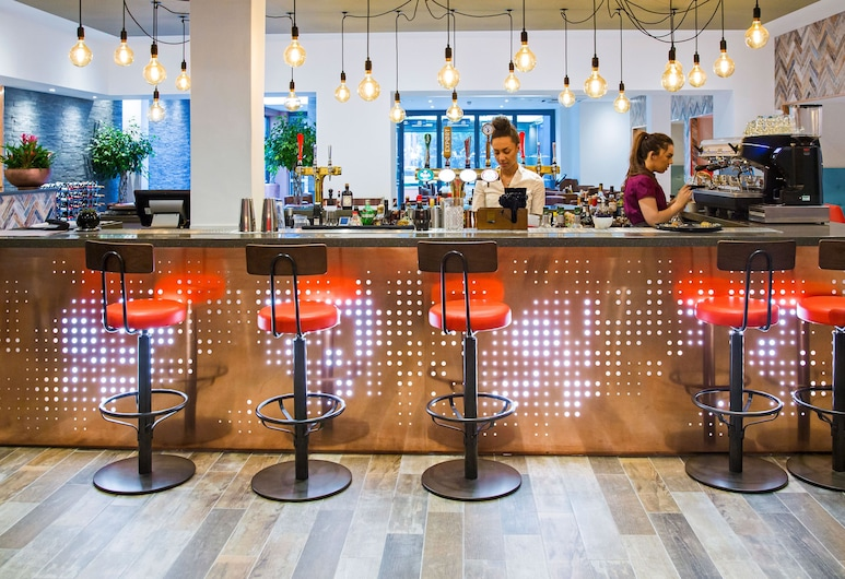Weetwood Hall Conference Centre & Hotel, Leeds, Hotel Bar