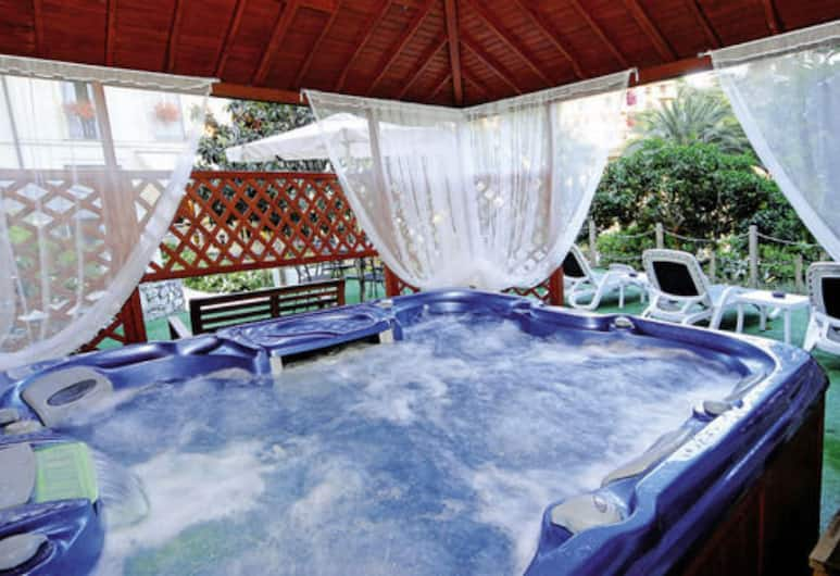 卡娜麗飯店, 拉帕洛, 室外 Spa 池