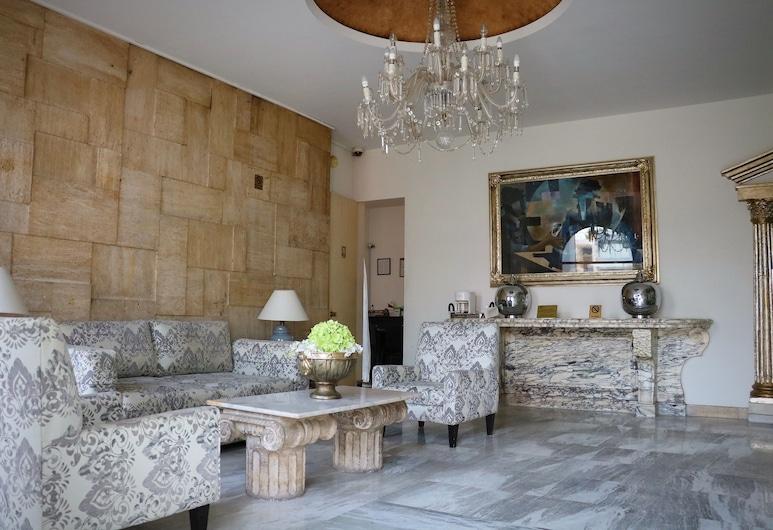 Hotel Suites Bernini, Guadalajara, Sala de estar en el lobby
