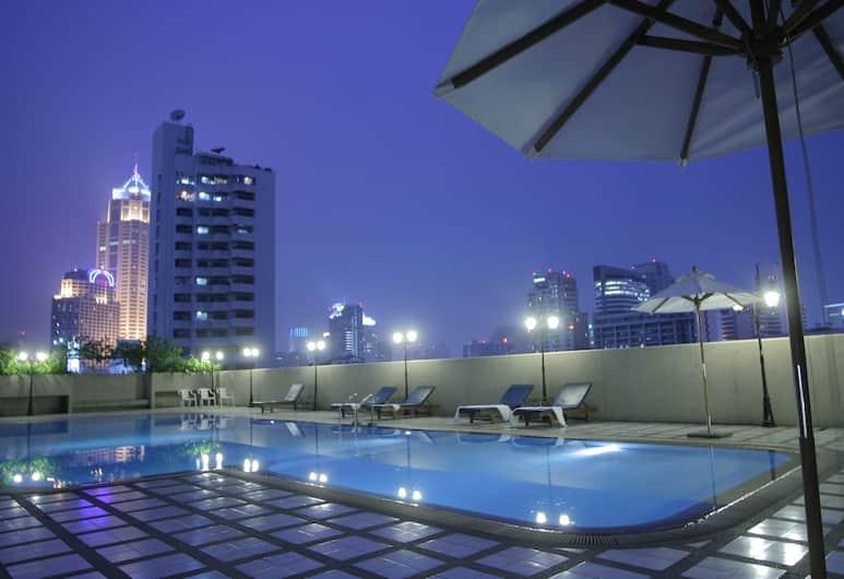 Omni Tower Sukhumvit Nana by Compass Hospitality, Bangkok, Outdoor Pool