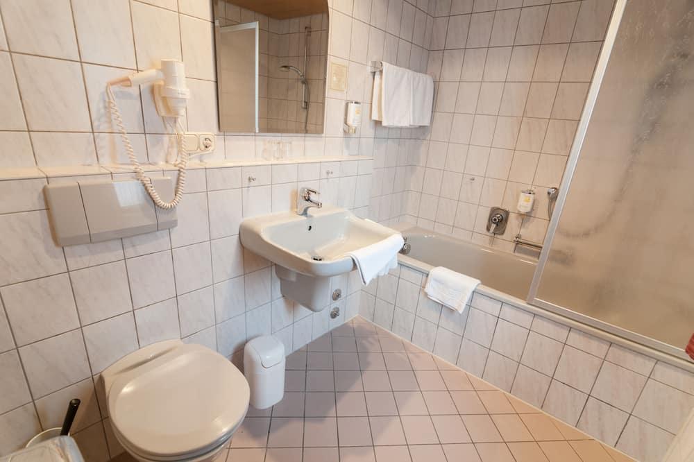 Standard-Doppelzimmer, 1 Doppelbett oder 2 Einzelbetten - Badezimmer