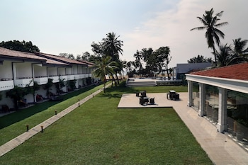 Picture of Hibiscus Beach Hotel And Villas in Wadduwa