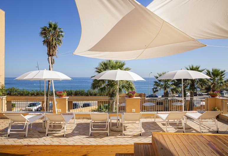 Hotel Punta Nord-Est, Castellammare del Golfo, Terraza