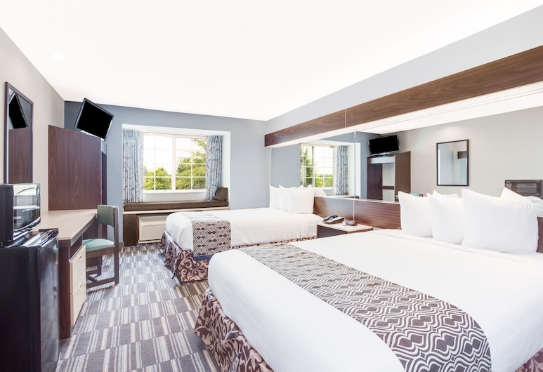 Microtel Inn and Suites by Wyndham Columbus North, Columbus, Standard Room, 2 Queen Beds, Non Smoking, Guest Room