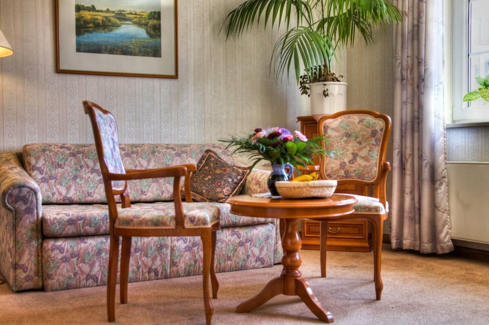 Superior Deluxe Suite with 2 Bathrooms - Sala de estar