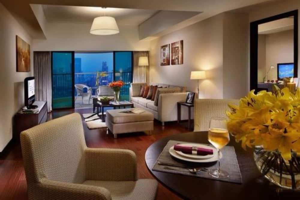 Deluxe-Suite, 1 Schlafzimmer, Küche, Stadtblick - Wohnzimmer