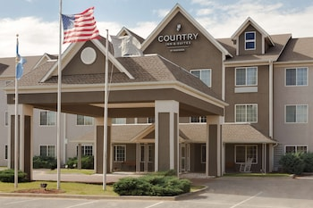 Picture of Country Inn & Suites by Radisson, Norman, OK in Norman