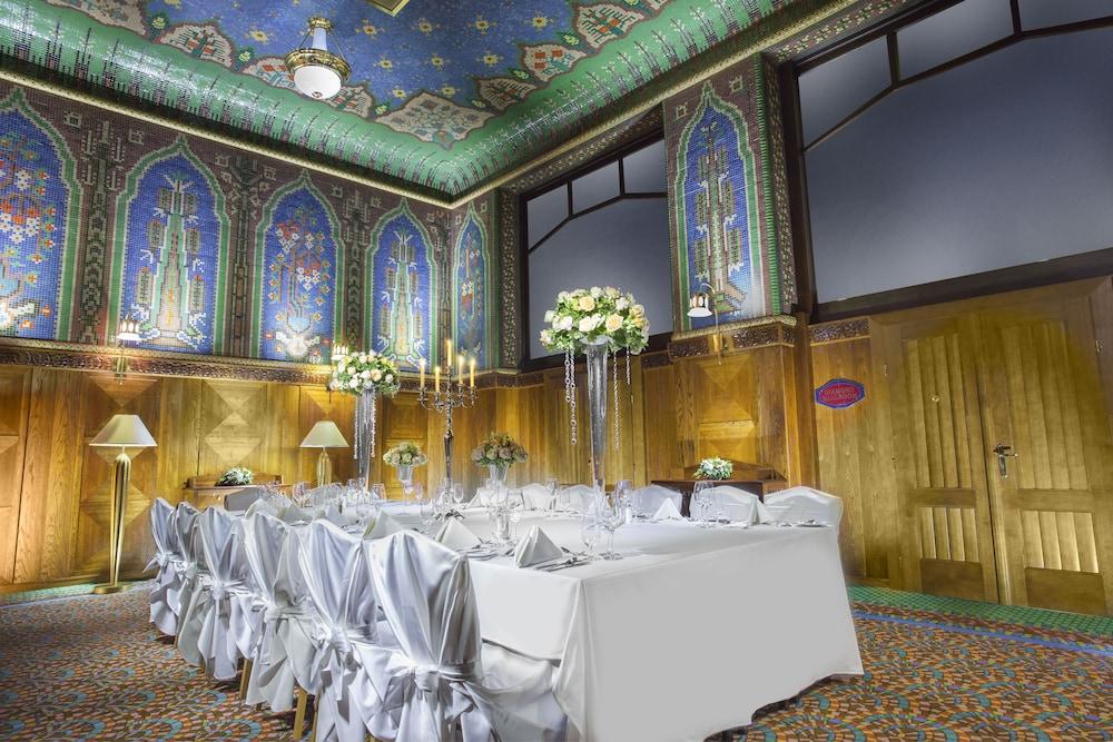 Art deco imperial hotel in praag hotels.com
