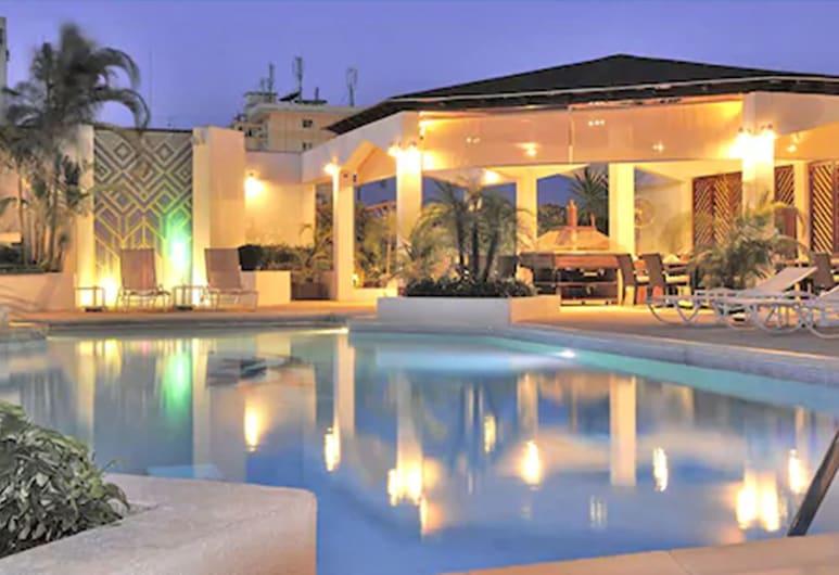 Hôtel Tiama, Abidjan, Piscine en plein air
