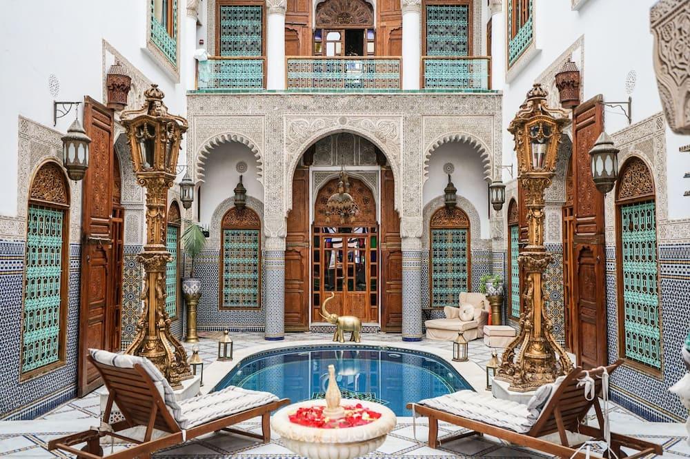 Suite (Ambassador) - Pool