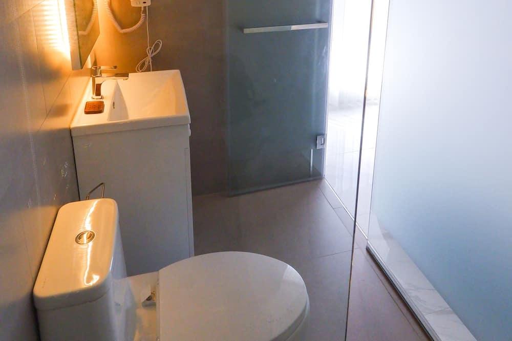 Deluxe Double Room, City View - Bathroom