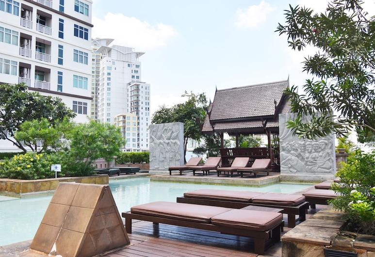 Century Park Hotel, Bangkok, Outdoor Pool