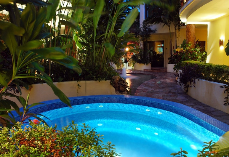Villas Sacbe Condo Hotel and Beach Club, Playa del Carmen, Wanna spa na zewnątrz