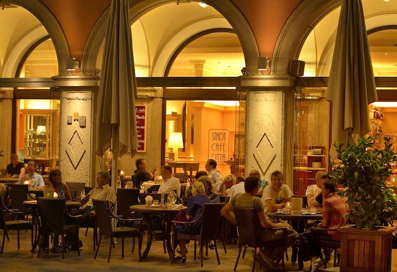 Stadt Hotel Citta, Больцано, Ресторан під відкритим небом