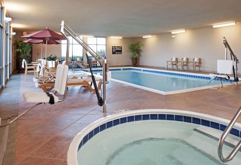 Hampton Inn & Suites Moline-Quad City International Airport, Moline, Bazén