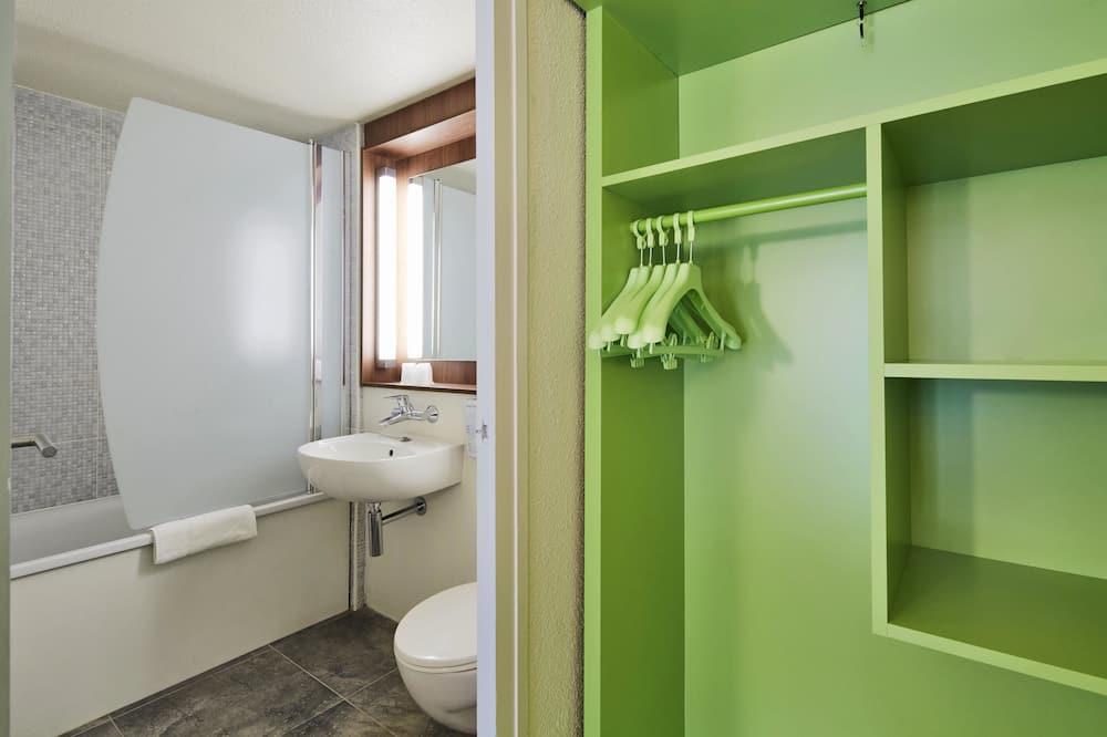 Next Generation, Kahden hengen huone - Kylpyhuone
