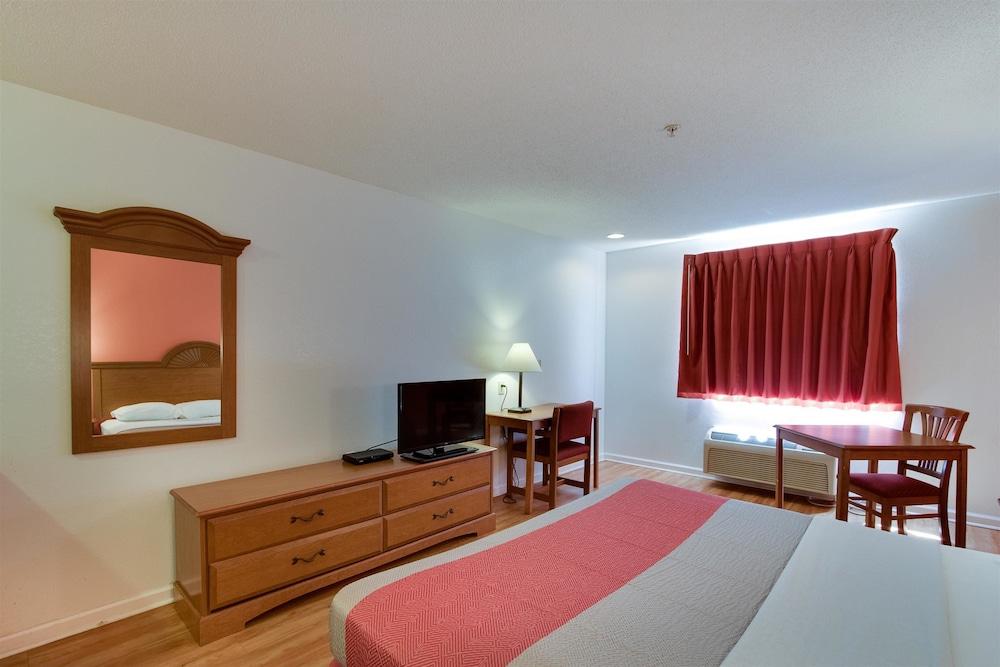 Motel 6 Hinesville GA, Hinesville, Guest Room