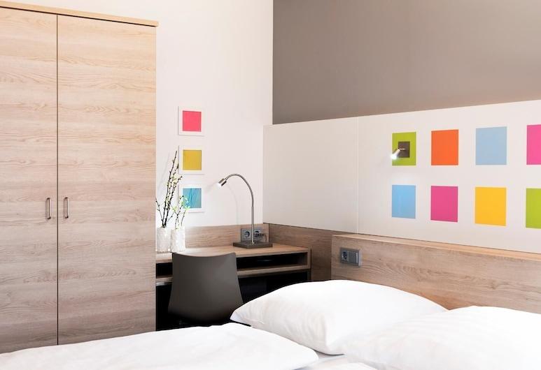 Hotel Tessin, Munich, Guest Room