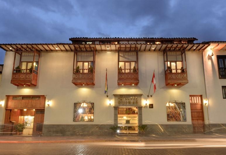 فندق روناس, كاسكو, واجهة الفندق