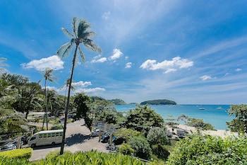 תמונה של All Seasons Naiharn Phuket בראוואי