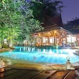 Deluxe Room, 1 Bedroom, Garden Area - Pool