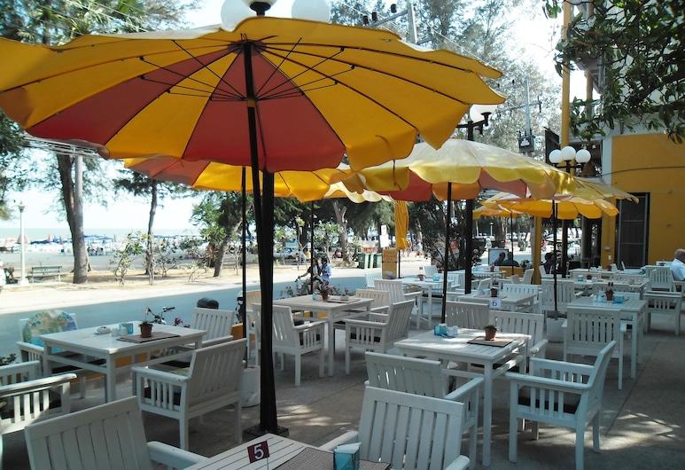 Long Beach Cha-Am Hotel, Cha-am, Kültéri étkezés