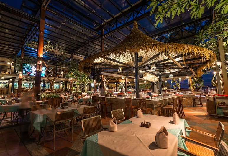 Baan Laimai Beach Resort & Spa, Patong, Dining