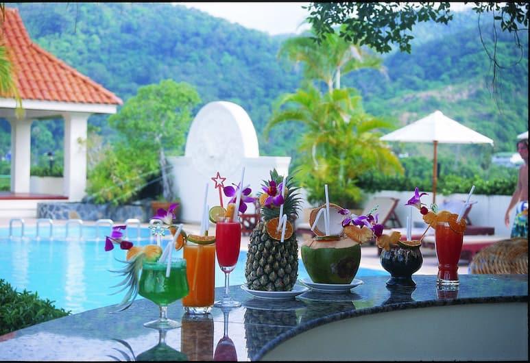 The Old Phuket - Karon Beach Resort, Karon, Hotelový bar