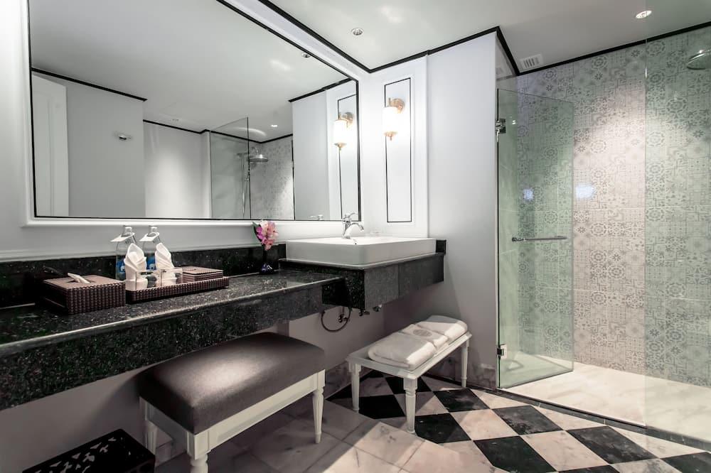 President Suite - Bathroom
