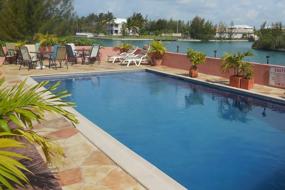 Dundee Bay Villas, Freeport