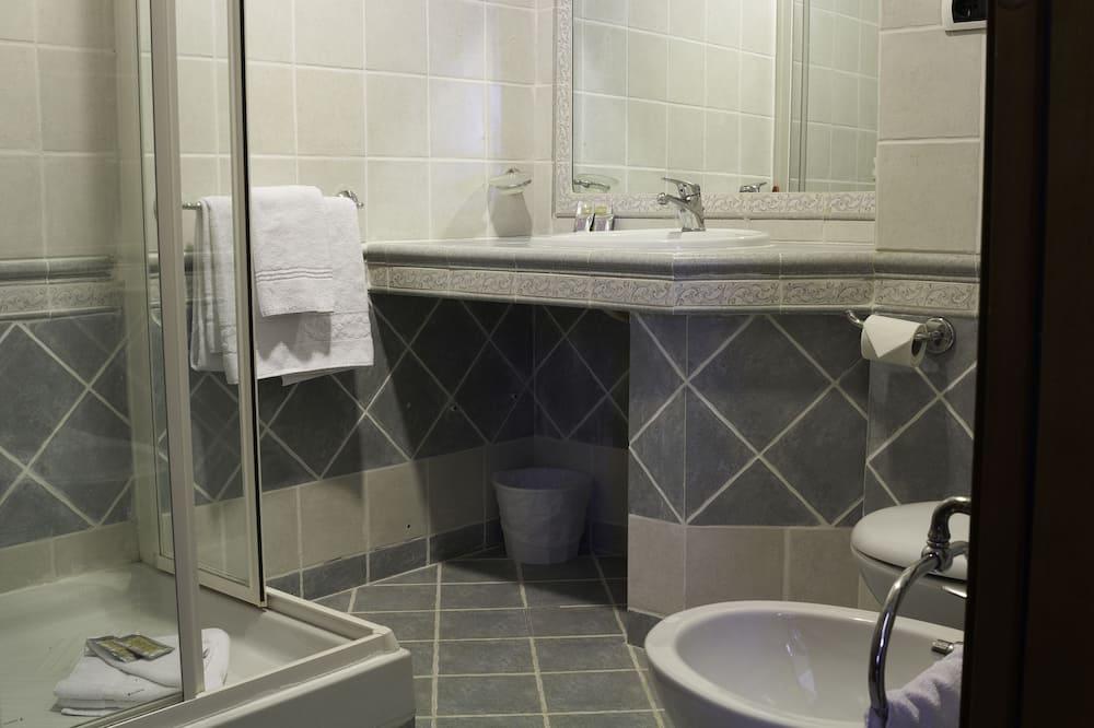 Izba, 1 veľké oddelené lôžko (Via Germanico 201) - Kúpeľňa