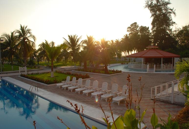 巴希亞多拉達飯店, 艾拉杜拉, 室外游泳池