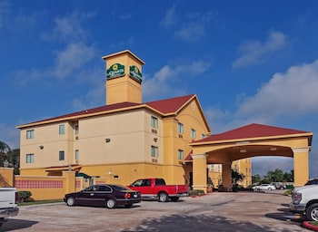 Picture of La Quinta Inn & Suites Pasadena in Pasadena