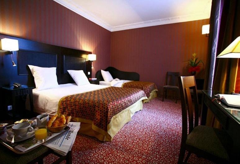 Hotel Convention Montparnasse, Paryż, Pokój dla 3 osób, Pokój