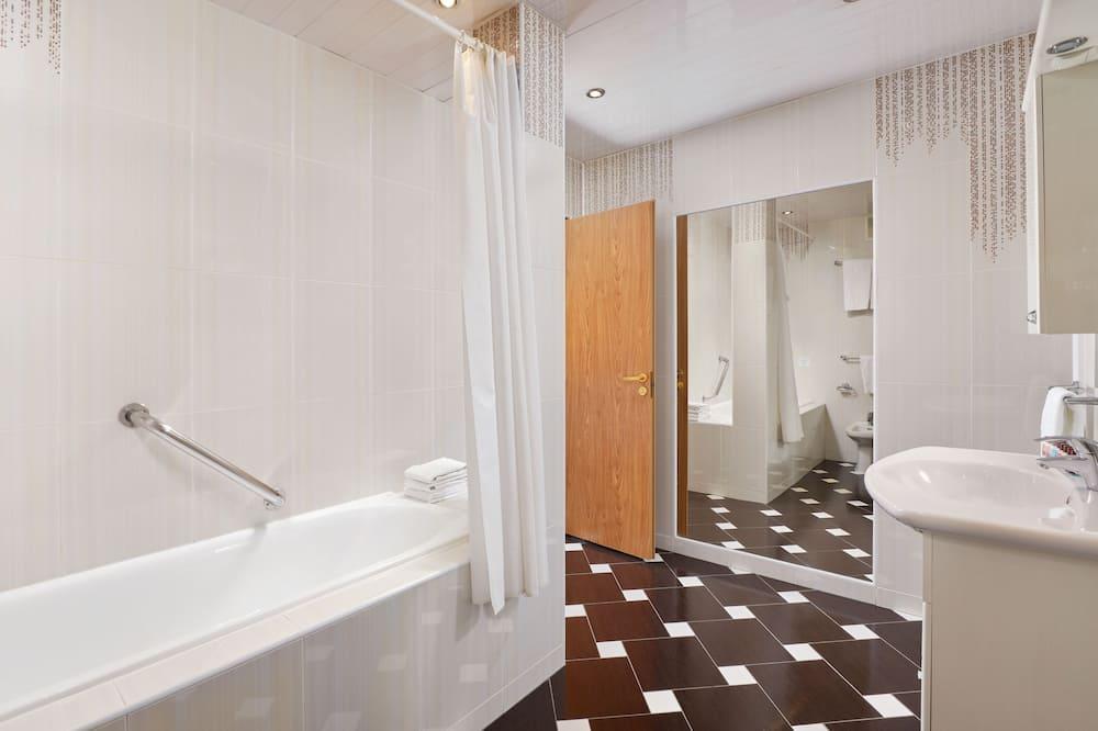 Luxury-sviitti, 1 parisänky - Kylpyhuone