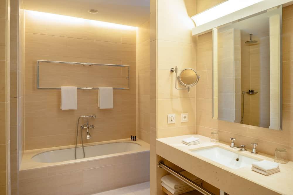 Room, 1 Double Bed (Parvus) - Bathroom