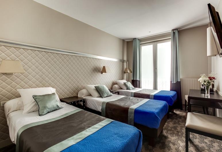 Hotel d'Amiens, Paris, Triple Room, Guest Room