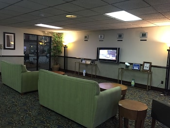 Picture of Quality Inn & Suites in Salina
