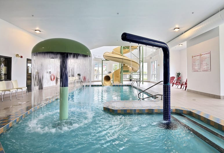 Super 8 by Wyndham Quebec City, Quebec, Pool Waterfall