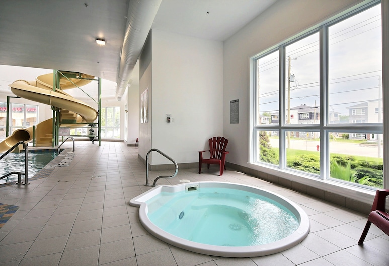 Super 8 by Wyndham Quebec City, Québec, Innen-Whirlpool