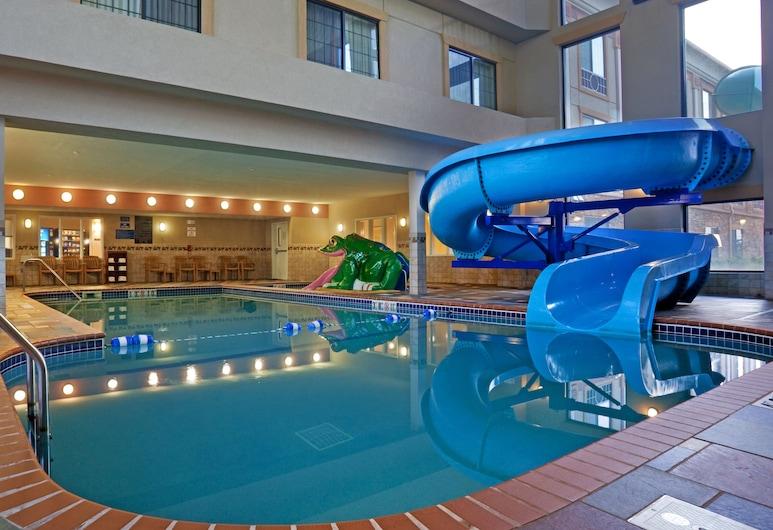 Holiday Inn Express Hotel & Suites Longmont, לונגמונט, בריכה מקורה