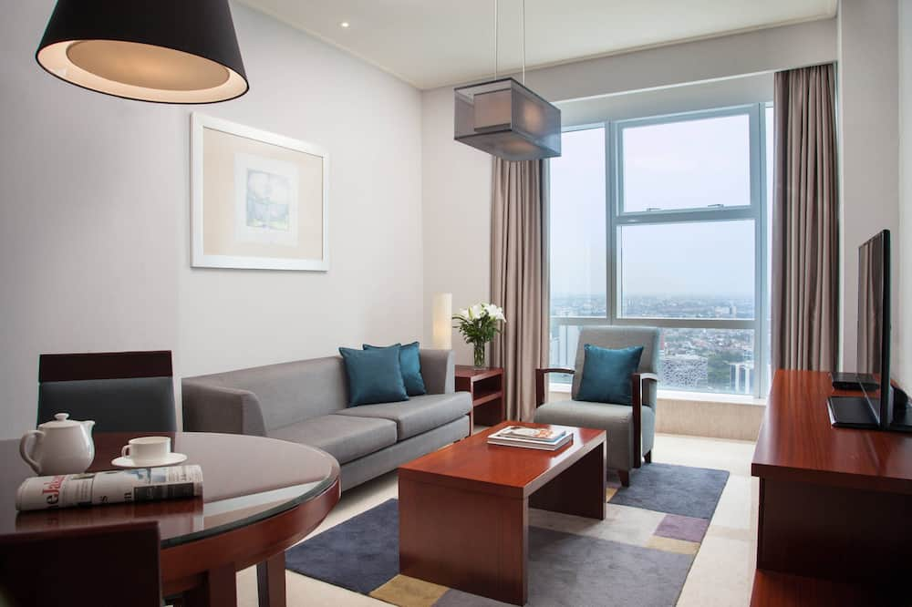 Executive Apartment, 1 Bedroom, City View - Living Area
