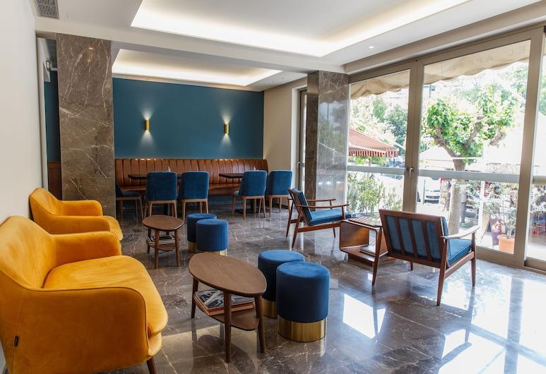 Delice Hotel Apartments, Atene, Terrazza/Patio