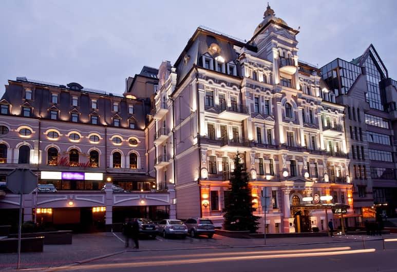 Opera Hotel, Kiew, Außenbereich