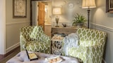 Choose this Bed and Breakfast in Camden - Online Room Reservations