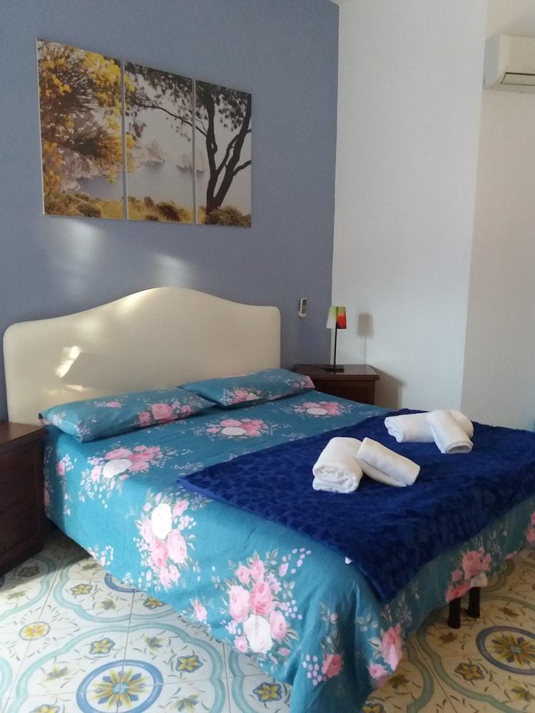 Sorrento Town Suites, Sorrento